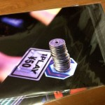 大人気ゲーセンドラマ「ノーコン・キッド」のゲーム筐体プリントクリアファイルを買ったよ!