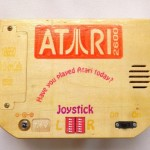 超おしゃれ!ハンドメイドの木製ATARI2600ポータブルゲーム機