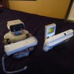 ほのぼのカワイイ!ファミコンロボットくん、大好きなゲームで遊ぶ!?