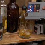 オトナになったゲーマーに…NESカセットそっくりのミニ酒ボトル、「スキットル」がカッコいい!