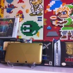 ドット絵アイロンビーズぎっしり!レトロゲーム愛好家、クマオさんちのゲーム棚ディスプレイが素晴らしい!