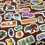 カプコンのレトロゲームロゴやキャラクターがいっぱい!「CAPCOM 30th カプコンアーケードキャビネット DXミニステッカー」を買ってみた