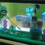 夏の涼しげインテリアに…マリオの水中面をアイロンビーズで再現した「水槽」がおしゃれ!