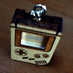 あの携帯ゲーム機が、超ミニサイズのキーホルダーに!「GAMER'S Micro Key Ring」 を買ったよ!