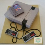 どう見てもホンモノにしか見えない、「NES」そっくりウエディングケーキがスゴい!