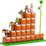 この発想、イイ!アミーボを並べて飾れる、マリオのゴールポール&ブロック階段のディスプレイ台