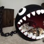 あぶない、食べられちゃう!?「ワンワン」そっくりなネコ用ベッドが超キュート!