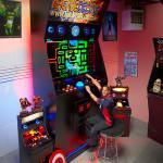 ギネス認定!世界一巨大なアーケードゲーム筐体を作ってしまった男性