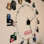 厚紙で作られた立体ドット絵が美しい、ハンドメイドのファミコン壁時計が超ステキ!