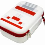 ファミコン風デザインが超カワイイ!ニンテンドークラシックミニファミコン用「レトロフェイスポーチ」が発売に!