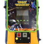 アーケード筐体そのまま!コインも入っちゃう!?海外で発売された「スペースインベーダー アーケードバックパック」が超おしゃれ!